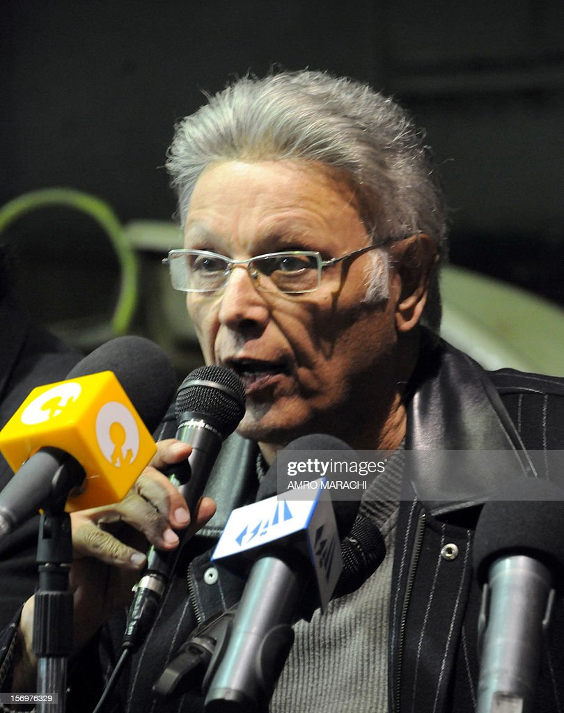 Head of the Egyptian Actors guild Ashraf Abdul Ghafoor speaks during a press conference rejecting the sweeping powers assumed by President Mohamed Morsi, at the guild headquarters in Giza, on November 26, 2012.