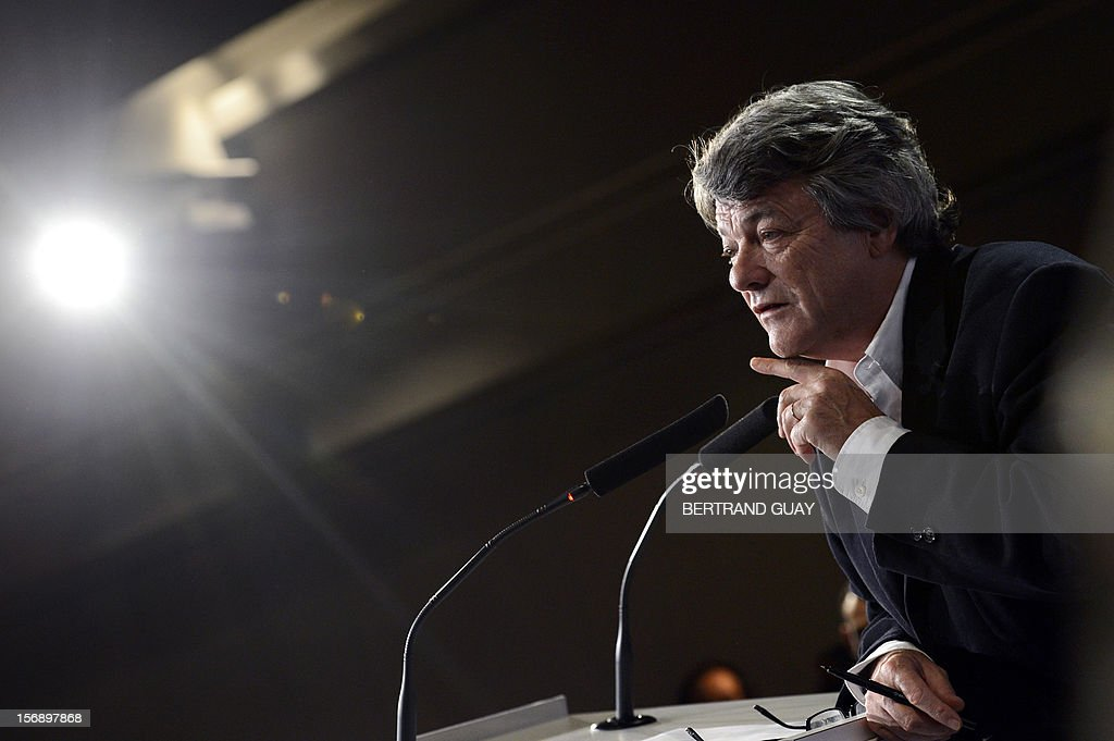 Head of Union of Democrats and Independents (UDI) party, Jean-Louis Borloo delivers a speech during a meeting with new UDI members on November 24, 2012 at the 'Maison de la Mutualite' conference centre in Paris. France's centre-right UDI and far-right Front National (FN) recently declared registering an increasing number of new memberships since the bitterly contested leadership election of main opposition right-wing party Union for a Popular Movement (UMP).