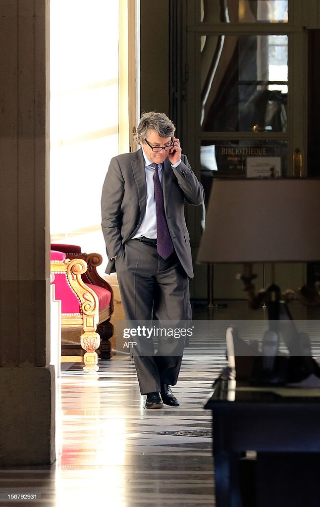 Head of Union of Democrats and Independents (UDI) party Jean-Louis Borloo speaks on the phone on November 21, 2012 in Paris at the National Assembly. Former campaign staff members of defeated candidate for the leadership of the UMP right-wing opposition party, Francois Fillon, announced that they are contesting the election results.