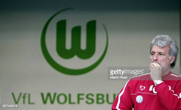 Headcoach Eric Gerets of Wolfsburg looks disapointed during the Bundesliga match between VFL Wolfsburg and Hamburger SV at the Volkswagen Arena on...