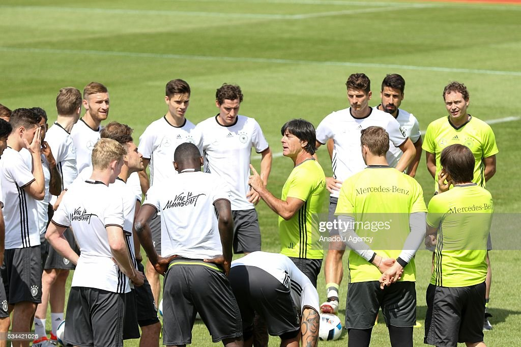 Head-Coach Joachim Loew (C) of German National Football Team attends a training session at Lago Maggiore in Ascona, Switzerland on May 26, 2016. Germany's national soccer team prepares for the upcoming UEFA EURO 2016, to be held in France, in a training camp in Ascona.