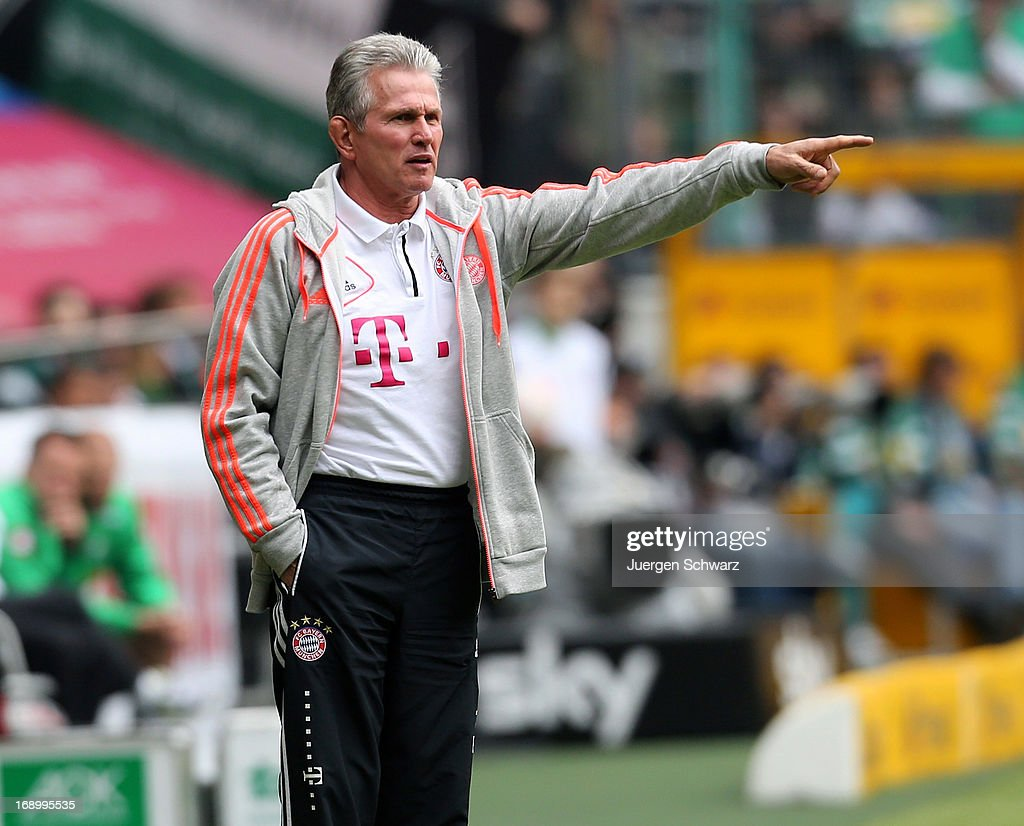 Headcoach <a gi-track='captionPersonalityLinkClicked' href=/galleries/search?phrase=Jupp+Heynckes&family=editorial&specificpeople=2062040 ng-click='$event.stopPropagation()'>Jupp Heynckes</a> of Munich gives instructions during the Bundesliga match between Borussia Moenchengladbach and Bayern Muenchen at Borussia Park Stadium on May 18, 2013 in Moenchengladbach, Germany.