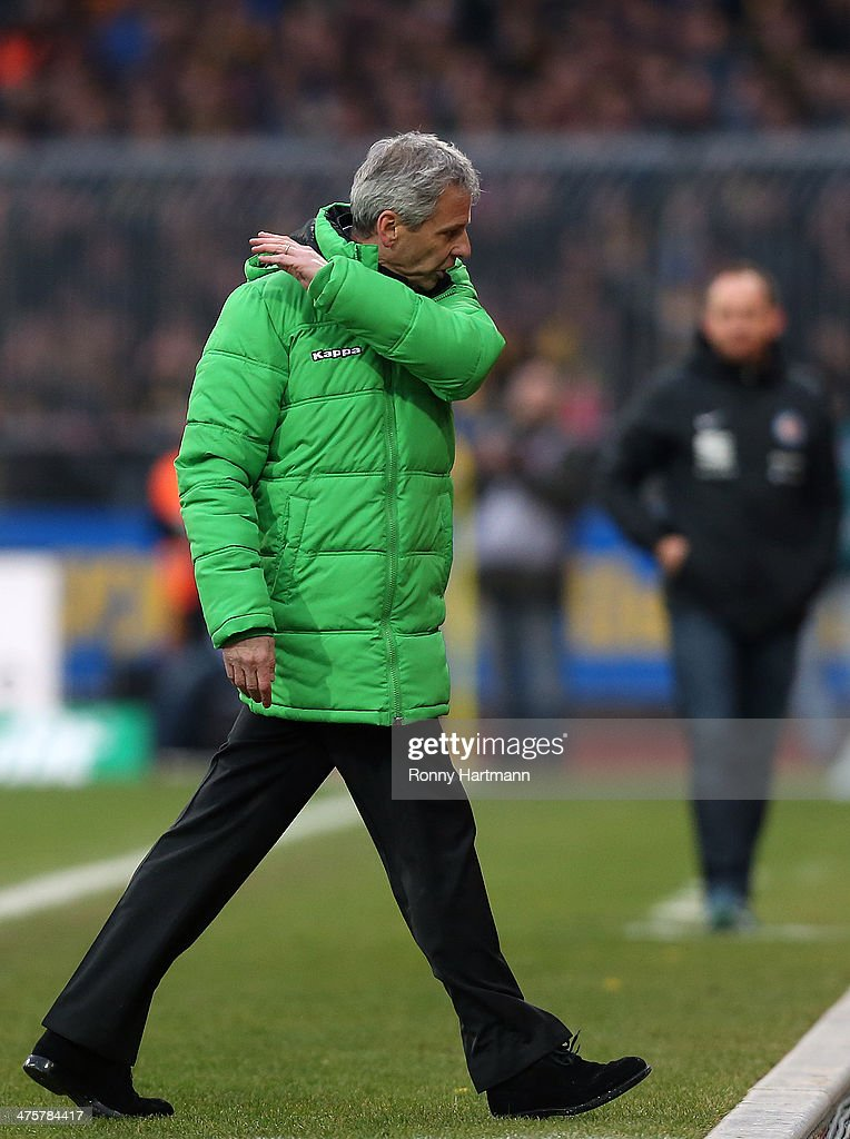 Headcoach <a gi-track='captionPersonalityLinkClicked' href=/galleries/search?phrase=Lucien+Favre&family=editorial&specificpeople=4313368 ng-click='$event.stopPropagation()'>Lucien Favre</a> of Moenchengladbach reacts after the Bundesliga match between Eintracht Braunschweig and Borussia Moenchengladbach at Eintracht Stadion on March 1, 2014 in Braunschweig, Germany.