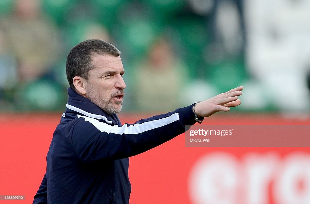 headcoach Marco Kurz of Hoffenheim reacts prior to the Bundesliga match between SpVgg Greuther Fuerth and TSG 1899 Hoffenheim at TrolliArena on March...