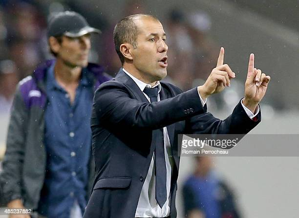 Headcoach of AS Monaco Leonardo Jardim gestures during the french Ligue 1 match between Toulouse FC and AS Monaco at Stadium Municipal on August 22...