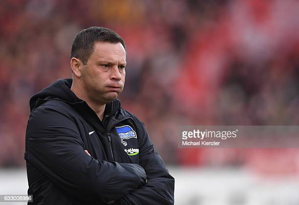 Headcoach Pal Dardai of Hertha BSC reacts during the Bundesliga match between Sport Club Freiburg and Hertha BSC at SchwarzwaldStadion on January 29...