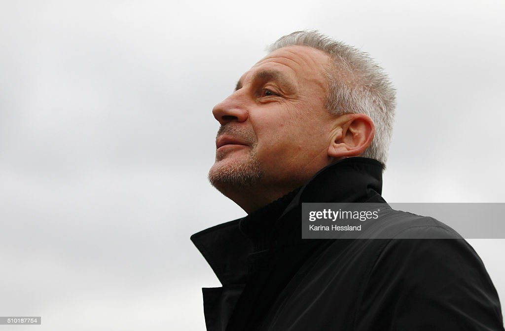 Headcoach <a gi-track='captionPersonalityLinkClicked' href=/galleries/search?phrase=Pavel+Dotchev&family=editorial&specificpeople=2361401 ng-click='$event.stopPropagation()'>Pavel Dotchev</a> of Aue during the Third League match between FC Erzgebirge Aue and Wuerzburger Kickers at Erzgebirgsstadium on February 14, 2016 in Aue, Germany.