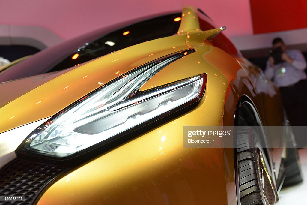 A headlight on the Nissan Motor Co. Resonance concept sports utility vehicle (SUV) is seen during the unveiling at the 2013 North American International Auto Show (NAIAS) in Detroit, Michigan, U.S., on Tuesday, Jan. 15, 2013. The Detroit auto show runs through Jan. 27 and will display over 500 vehicles, representing the most innovative designs in the world. Photographer: David Paul Morris/Bloomberg via Getty Images
