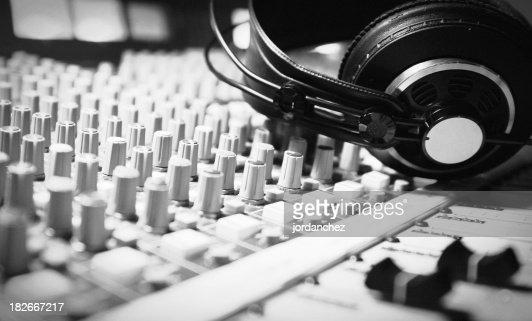 Headphones Remix BW