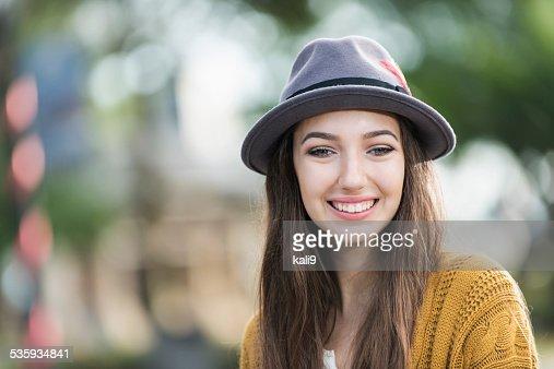 Headshot of beautiful teenage girl : Stock Photo