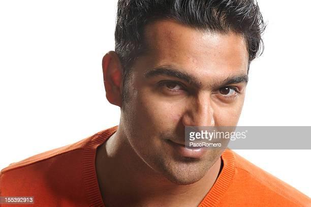 Ritratto di un bell'uomo giovane in Pakistan