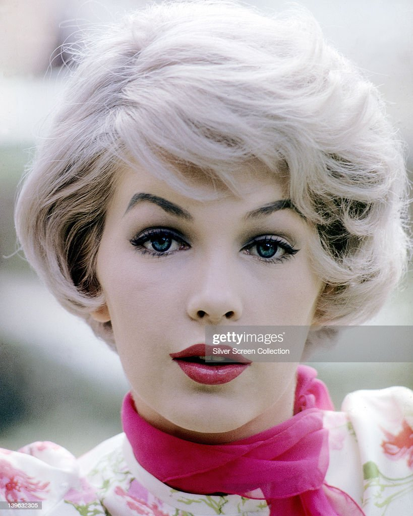Headshot of Stella Stevens, US actress, wearing a floral pattern blouse with a fuchsia pink ... Show more - headshot-of-stella-stevens-us-actress-wearing-a-floral-pattern-blouse-picture-id139632305