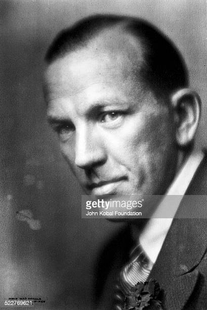 Headshot of writer Noel Coward 1932