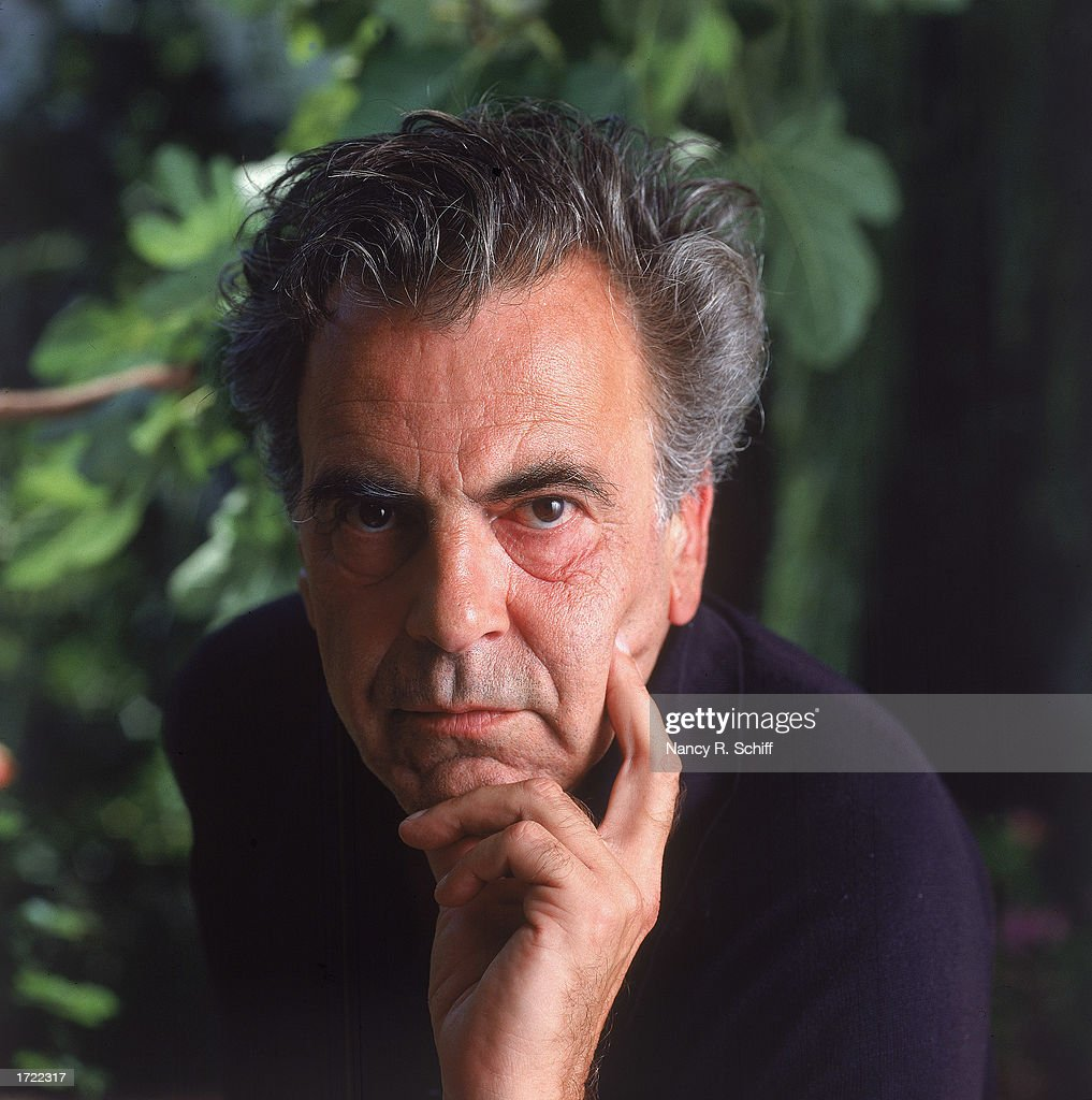 Headshot portrait of Austrian actor <a gi-track='captionPersonalityLinkClicked' href=/galleries/search?phrase=Maximilian+Schell&family=editorial&specificpeople=236064 ng-click='$event.stopPropagation()'>Maximilian Schell</a>, 1990.