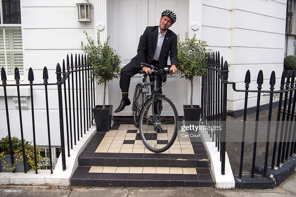 Health Secretary Jeremy Hunt leaves his home on September 2, 2016 in London, England. Medical leaders have condemned a proposed series of strikes by junior doctors as the row over a new contract continues.