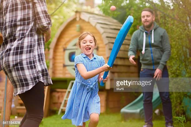 cricket familia saludable en el jardín