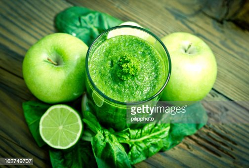 Healthy green smoothie : Stock Photo