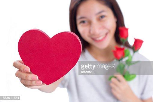 Coração e rosas no Dia dos Namorados : Foto de stock