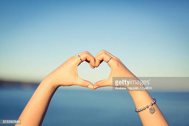 Heart Shape Gesture