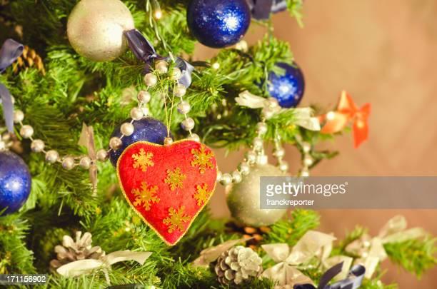 heart shape in christmas tree