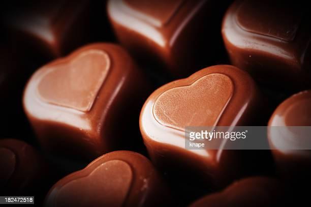 chocolate em forma de coração, plano aproximado