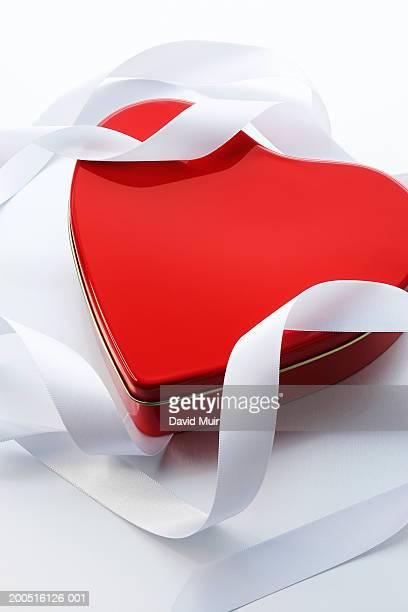 Heart shaped tin, with ribbon, close-up