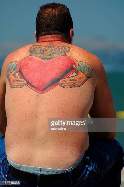 Herz-tattoo auf dem Rücken