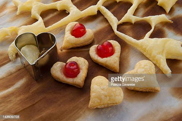 hearts of puff pastry with cherries