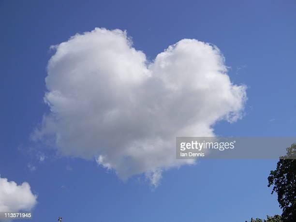 Heart-shaped cloud, Regent's Park, London