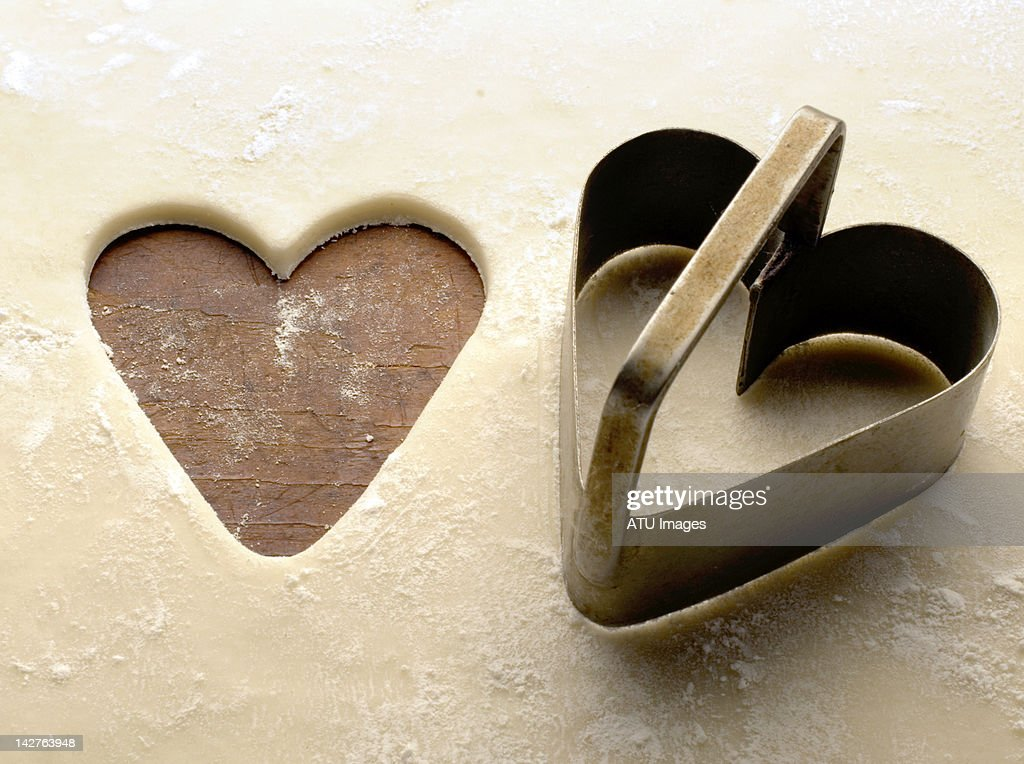 Heart-shaped cookie cutter : Stock Photo