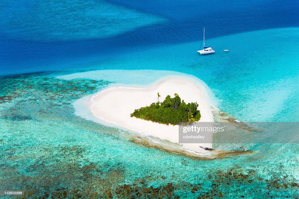 heart-shaped island in the Caribbean - perfect honeymoon destination : Stock Photo