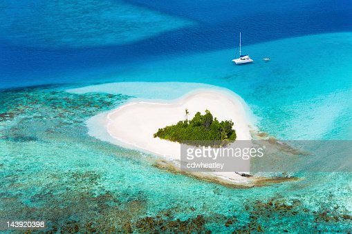 heart-shaped island in the Caribbean - perfect honeymoon destination