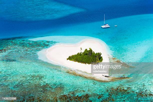heart-shaped island in the Caribbean - perfect honeymoon destination