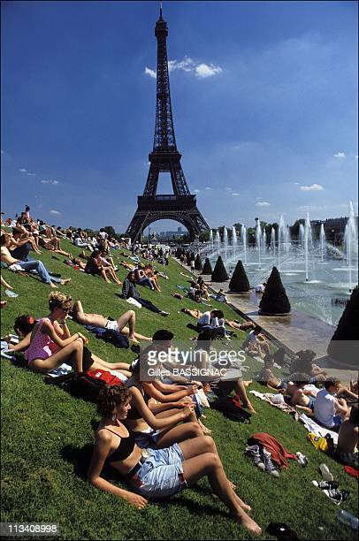 Heat In Paris On May 6th 1990 In Paris France