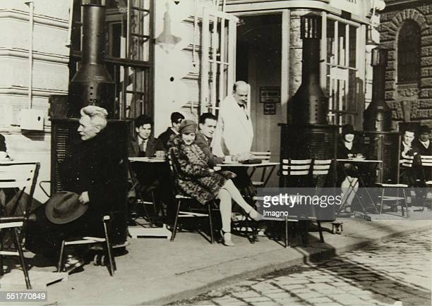 Heated terrace in front of the Café Landtmann 1929 Photograph