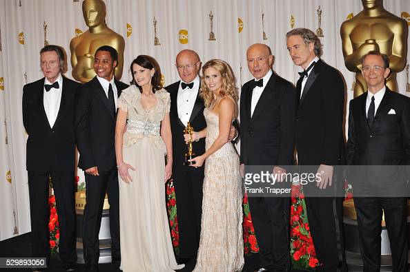 Heath Ledger's family Sally Ledger Kim Ledger and Kate Ledger holding his Oscar�� for Best Performance by an Actor in a Supporting Role for 'The Dark...