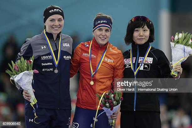Heather Bergsma of United States of America with the silver medal Ireen Wuest of Netherlands with the gold medal and Miho Takagi of Japan with the...