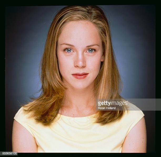 an introduction to the life of heather donahue At age thirty-four, heather donahue's life went to pot literally after starring in  the blair witch project-the tiny indie film- turned-blockbuster that.