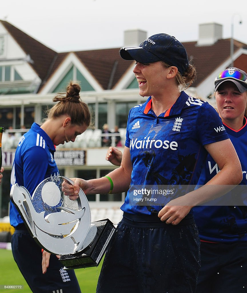 <a gi-track='captionPersonalityLinkClicked' href=/galleries/search?phrase=Heather+Knight+-+Cricket+Player&family=editorial&specificpeople=12721164 ng-click='$event.stopPropagation()'>Heather Knight</a>, Captain of England Women celebrates with the trophy during the 3rd Royal Royal London ODI between England Women and Pakistan Women at The Cooper Associates County Ground on June 27, 2016 in Somerset, United Kingdom.