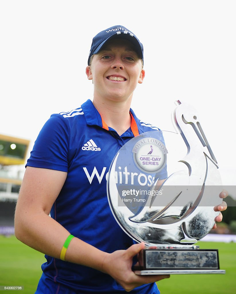 <a gi-track='captionPersonalityLinkClicked' href=/galleries/search?phrase=Heather+Knight+-+Cricket+Player&family=editorial&specificpeople=12721164 ng-click='$event.stopPropagation()'>Heather Knight</a>, Captain of England Women poses with the Trophy after winning the series during the 3rd Royal Royal London ODI between England Women and Pakistan Women at The Cooper Associates County Ground on June 27, 2016 in Somerset, United Kingdom.