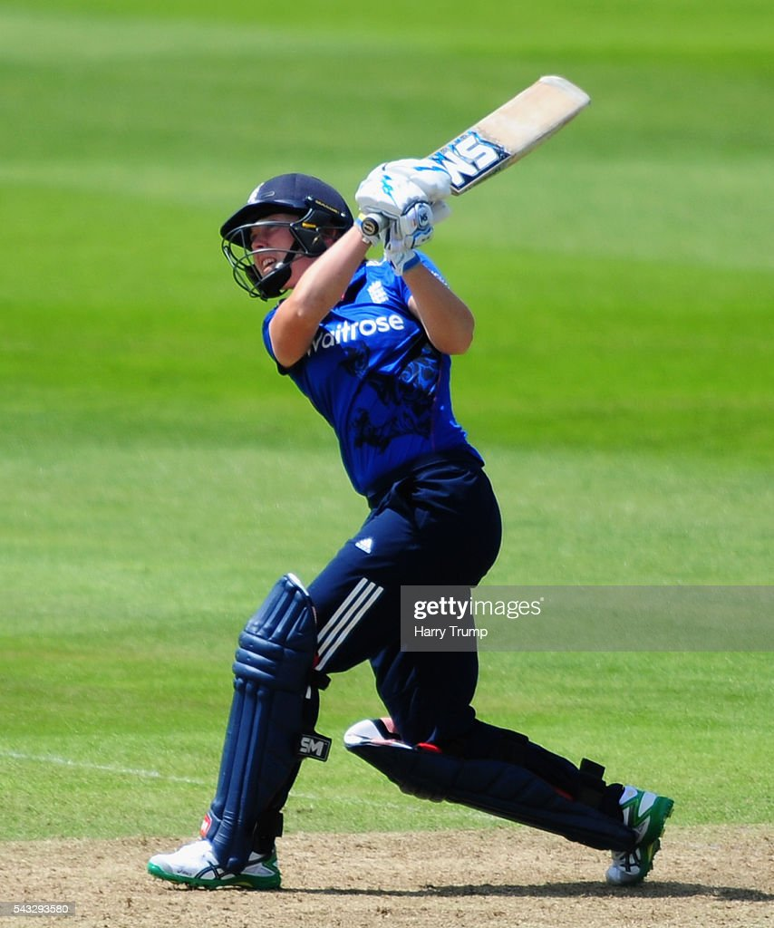 <a gi-track='captionPersonalityLinkClicked' href=/galleries/search?phrase=Heather+Knight+-+Cricket+Player&family=editorial&specificpeople=12721164 ng-click='$event.stopPropagation()'>Heather Knight</a> of England hits out during the 3rd Royal Royal London ODI between England Women and Pakistan Women at The Cooper Associates County Ground on June 27, 2016 in Somerset, United Kingdom.