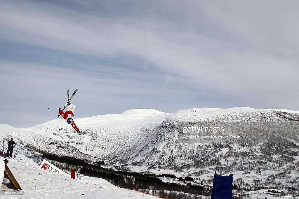 <a gi-track='captionPersonalityLinkClicked' href=/galleries/search?phrase=Heather+McPhie&family=editorial&specificpeople=4105079 ng-click='$event.stopPropagation()'>Heather McPhie</a> of the USA competes during the FIS Freestyle Ski World Championship Men's and Women's Moguls on March 06, 2013 in Voss, Norway.