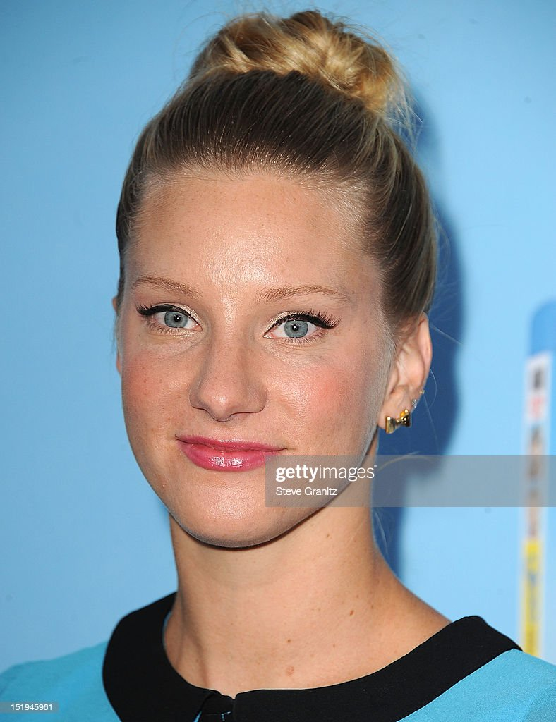 Heather Morris arrives at the 'GLEE' Premiere Screening And Reception at Paramount Studios on September 12, 2012 in Hollywood, California.