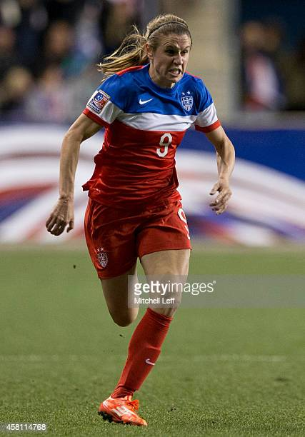 Heather O'Reilly of the United States plays in the game against Costa Rica in the 2014 CONCACAF Women's Championship final on October 26 2014 at PPL...