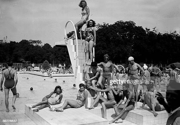 Heatwave The swimming pool of Racing at the PreCatelan Paris June 1941