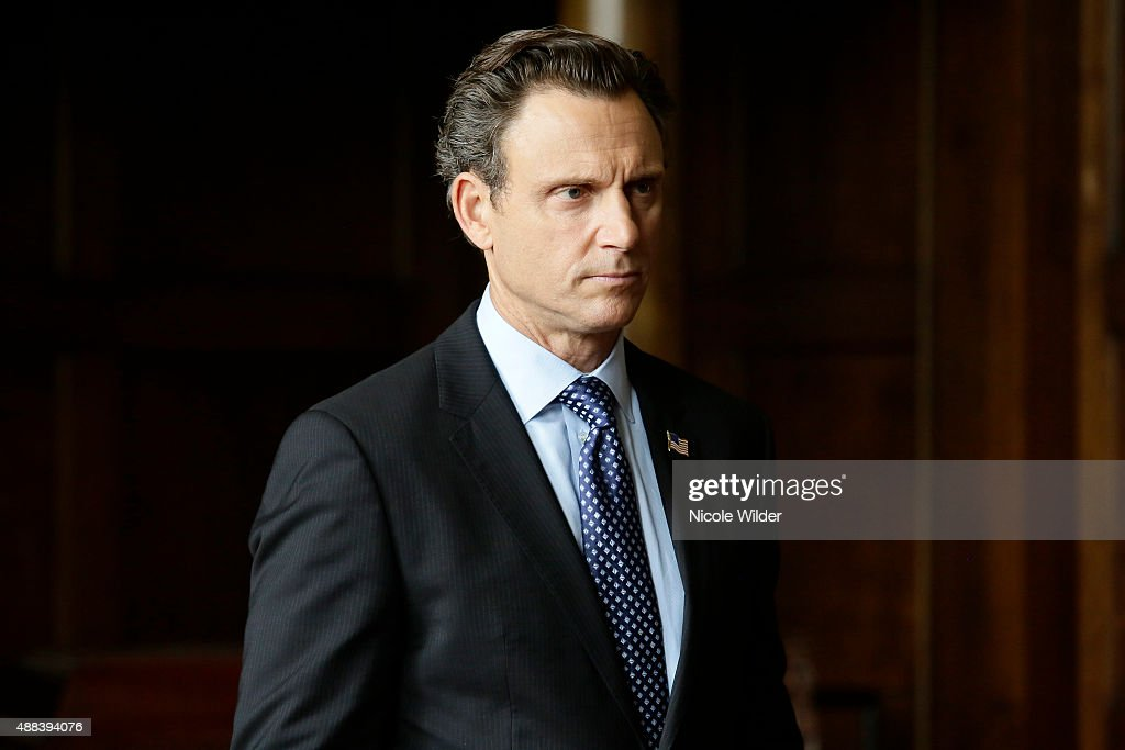 SCANDAL 'Heavy is the Head' Olivia and Fitz are back together again and enjoying every scandalous moment together while Cyrus Mellie and Huck are all...