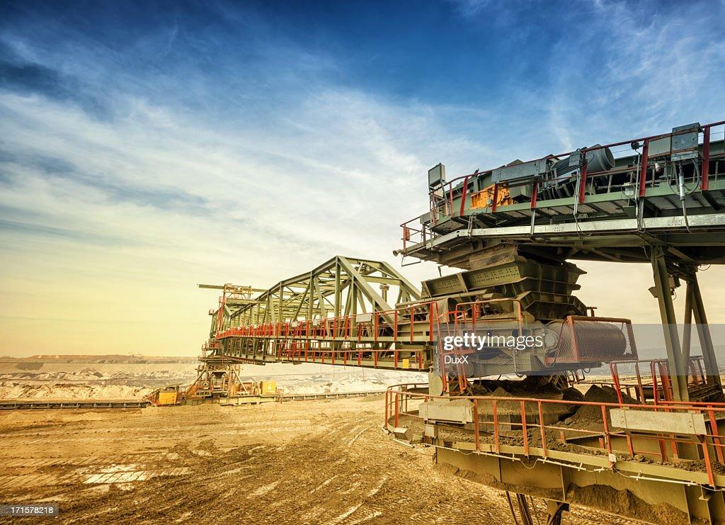 Heavy mining drill machine