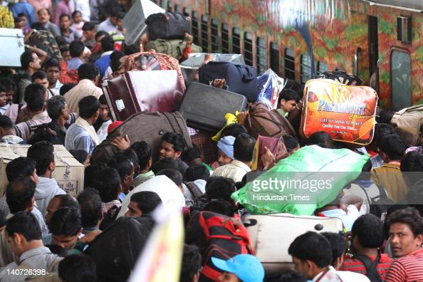 Heavy rush of passengers returning to their native places on March 5 2012 in New Delhi India Despite railway authorities plying many special trains...