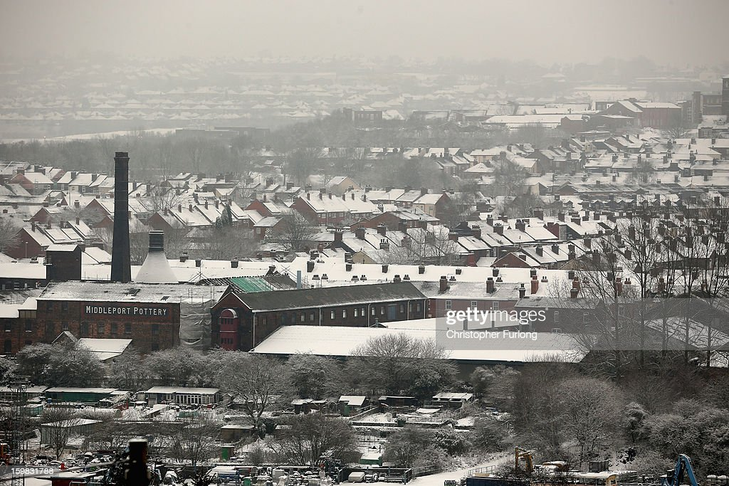 Heavy Snow covers the slate roof tops of Stoke on January 21, 2013 in Stoke On Trent, United Kingdom. The Met Office has issued a red weather warning for parts of the Uk and advising against all non-essential travel as up to 30cm of snow is expected to fall in some areas today. The adverse weather has closed nearly 5,000 schools and caused many airports to cancel flights.