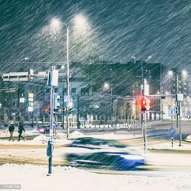 Starker Schneefall in der Stadt.